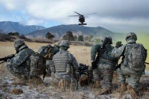 Blackhawk Pilots Give WLC Lift
