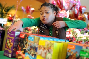 Girl Scout Tops Cookie Sales Despite Rare Condition